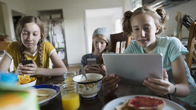 斯坦福大学研究:大部分学生不会判断网络信息真伪