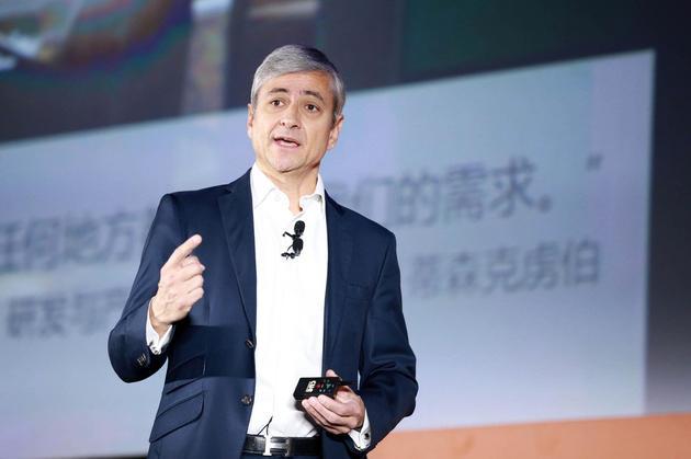 微软公司执行副总裁,全球销售、市场营销和业务运营总裁让?菲力浦?古德华(Jean-Philippe Courtois)
