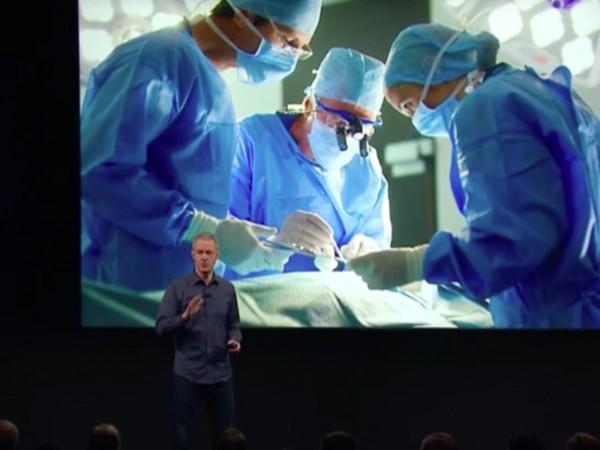 苹果公司COO在发布会上介绍CareKit