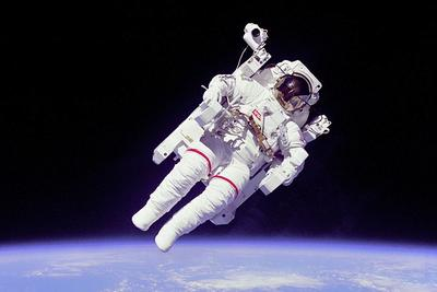 """太空中的声音听起来像什么?亲自听地球周围""""诡异""""的声音"""