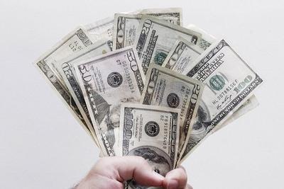 研究发现想要升职加薪 不妨先把要求提得离谱些