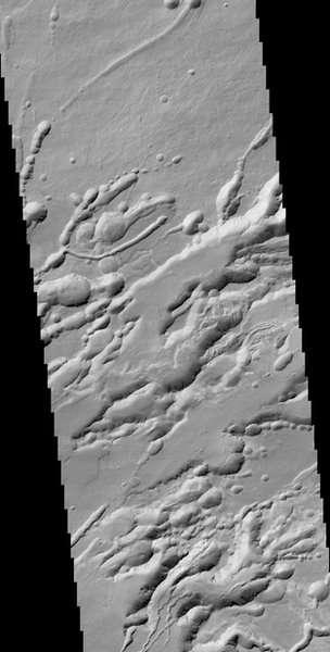 """该卫星的摄像系统CaSSIS重建了火星上""""诺克提斯迷宫""""(Noctis Labyrinthus)的地质结构。图为该地区的海拔图,图像分辨率还不到20米。"""