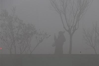 京津冀及周边20城明天再遇重污染:为何重污染频现