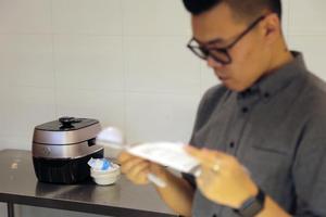 苏泊尔鲜呼吸100快速电压力锅评测