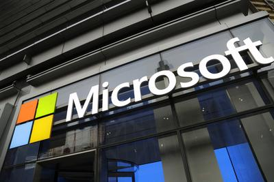 Surface难助微软硬件成功