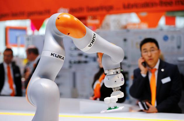 德国机器人公司库卡出售美国业务 为美的收购做准备德国机器人公司库卡出售美国业务 为美的收购做准备