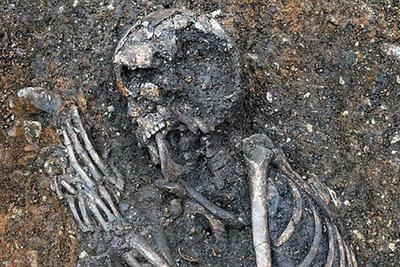 德国发现千年女尸骨架 专家称其或死于肺结核