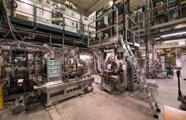 ALPHA实验能够测量出反氢原子在频率经过了精确调整的激光照射下的反应。