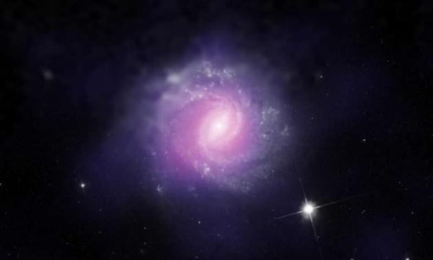 另一个星系IC 3639,科学家们认为其内部同样隐藏着一个超大质量黑洞