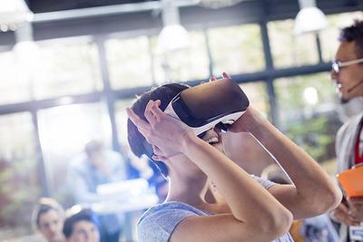 尽管还未成气候 但2017年VR的创新和投资还将继续