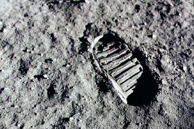美前宇航员塞尔南逝世 系最后在月球留下脚印的人
