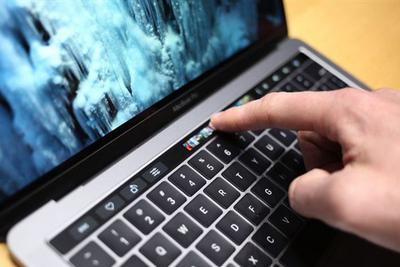 电池续航太闹心:苹果在笔记本上加入了屏幕能耗提示