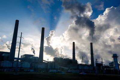 世界最大碳捕集设施投入运行 收集二氧化碳注入地下采油