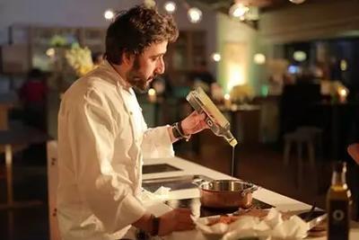 流言揭秘:赶潮流吃橄榄油,却听说拿来炒菜会致癌?