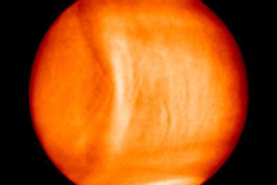 日本探测器观测金星大气中的神秘笑脸:延伸超过1万公里