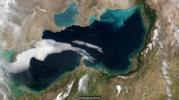 里海的水量已经大大减少。