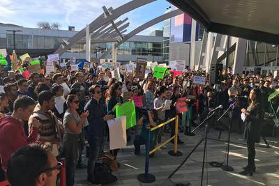 微软请求特朗普政府在移民政令上开辟豁免计划