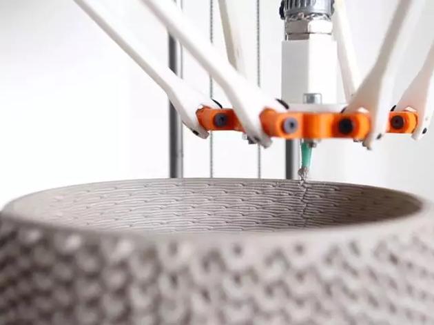 以黏土为原材料的3D打印机