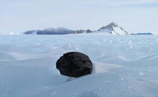 科学家准备前往南极寻找失踪陨石