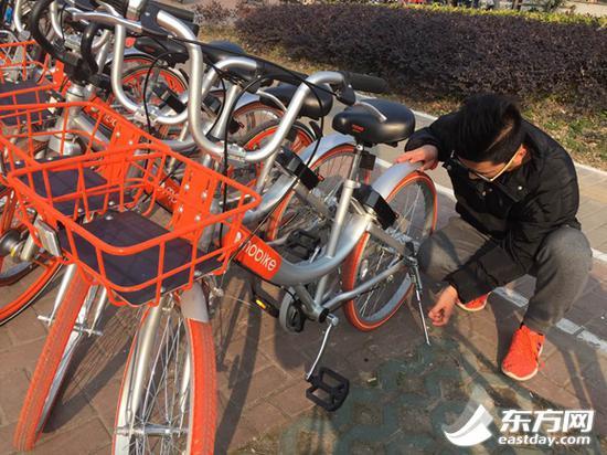 摩拜方面表示,仅上海地区,每天有100多人对单车进行分片分区管理。