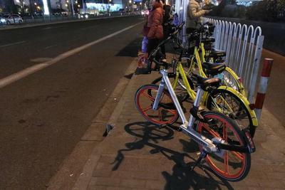 """共享单车产业遇管理第二关 上海提出""""12岁禁骑"""""""