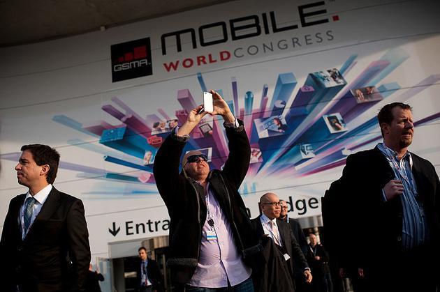 在本月底即将召开的世界移动通信大会(MWC)上,不少手机厂商都选择了收缩方针,甚至有厂商对新浪科技表示,今年不将市场营销的重点放在国内了。