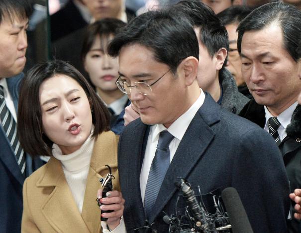 李在镕被媒体追问