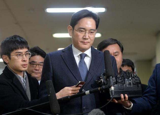 李在镕16日抵达韩国独检组办公室