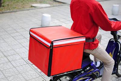 外卖热背后问题多:送餐箱从不消毒 餐盒陷二次污染