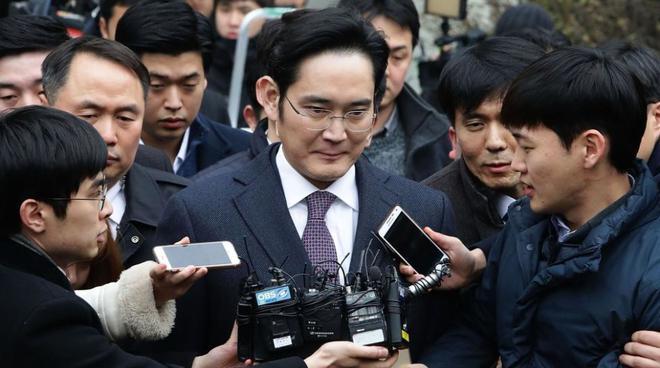 三星掌门人李在镕被批捕 被指控行贿430亿韩元