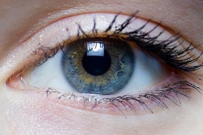 都是谣言!长时间盯着电脑屏幕并不会失明!