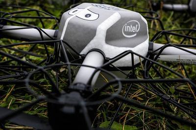 NBA全明星扣篮大赛现Intel无人机:助戈登逆天劈扣
