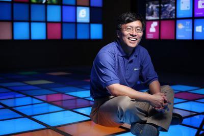 微软全球执行副总裁沈向洋:人工智能有了情感才能赚大钱