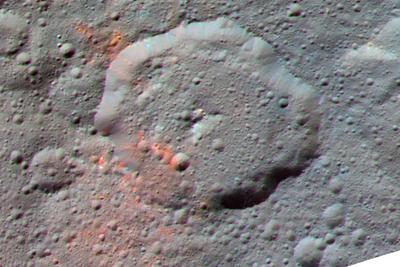 """""""黎明""""号飞船在谷神星表面陨石坑内发现有机物(图)"""