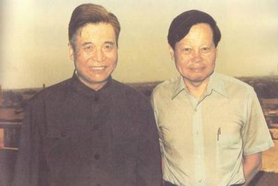 你们这样说杨振宁,问过邓稼先吗