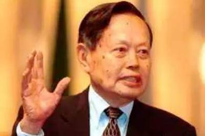 中青报:院士身份对杨振宁只能是荣誉而非利益