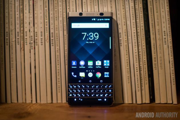 黑莓KEYone手机(图片来自ANDROID AUTHORITY)