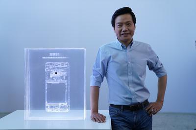 专访雷军:原想10年10亿美元来造芯 比华为有后发优势