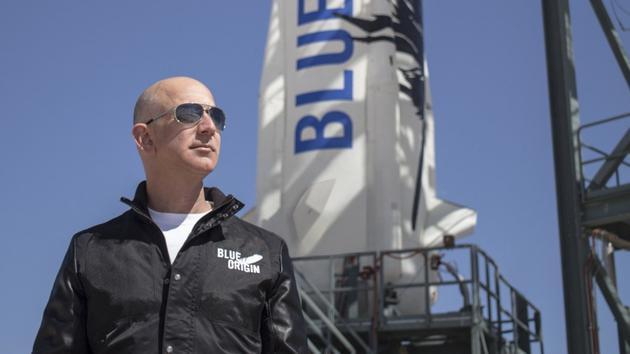 亚马逊CEO杰夫·贝佐斯和他的蓝色起源太空公司