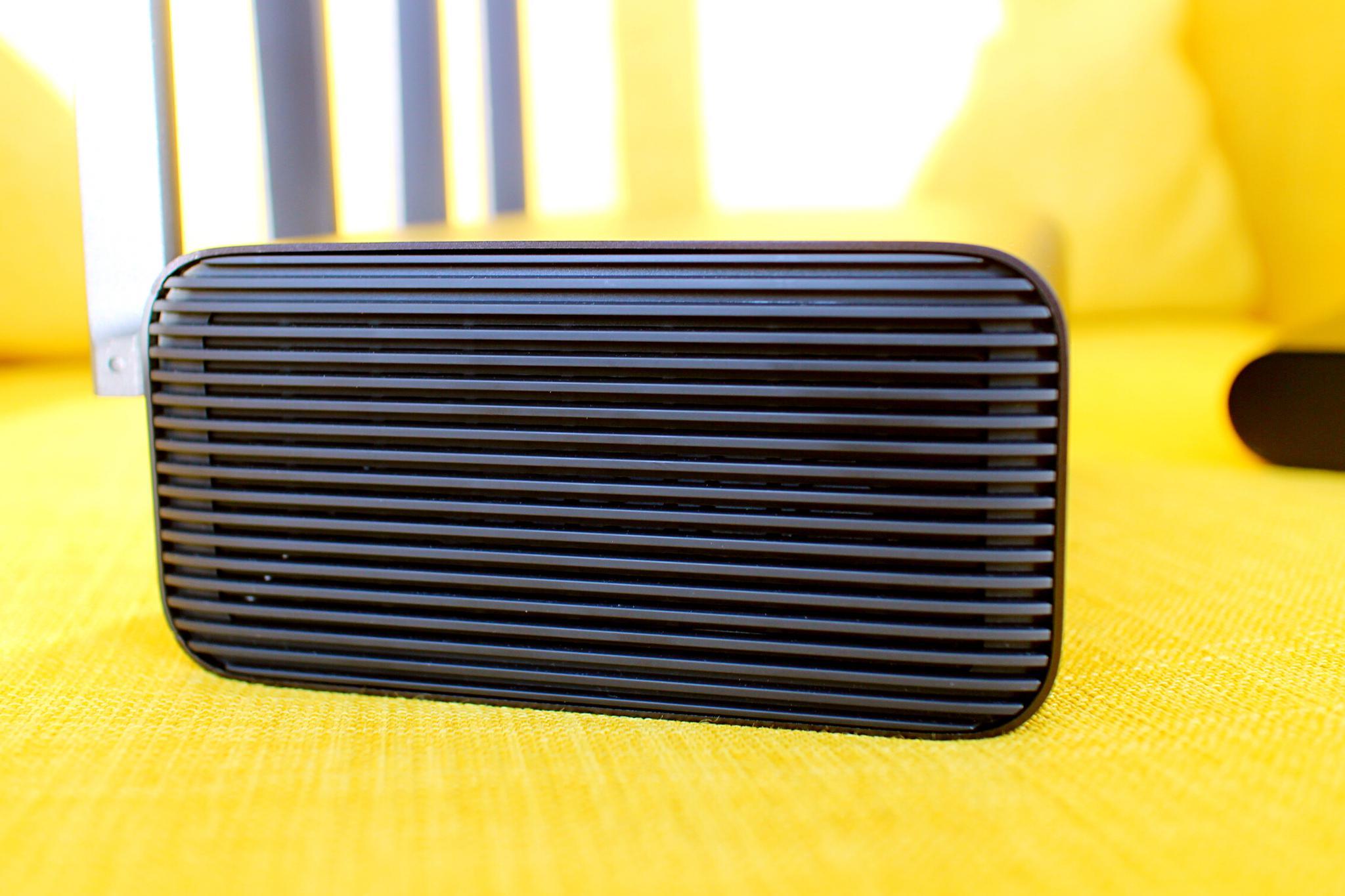 小米路由器HD側面散熱柵欄