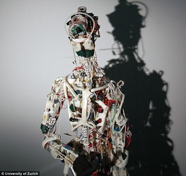 Eccerobot机器人由苏黎世大学科学家于2011年研发。它的全部身体部件都由特制塑料制成。