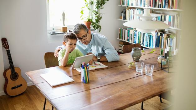 担心孩子玩手机和平板不学习?谷歌来帮家长解决