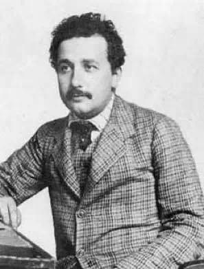 图1。 Albert Einstein (1905)
