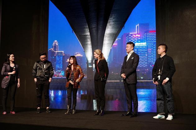 徕卡画廊全球艺术总监Karin Rehn-Kaufmann与四位中国摄影师互动