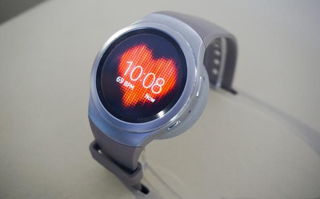 (光电式心率检测在智能手表上并不少见)