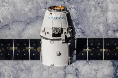 "SpaceX""龙""飞船返回地球 带回40只实验鼠"