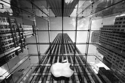 致敬经典 苹果iPhone8或重新采用水滴状设计