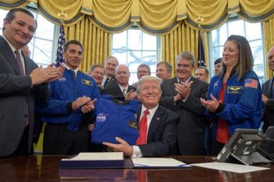 与奥巴马一致 特朗普签法案欲2033年送人去火星