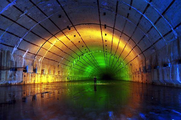 苏联潜艇废弃藏身处曝光:无法估算真正大小
