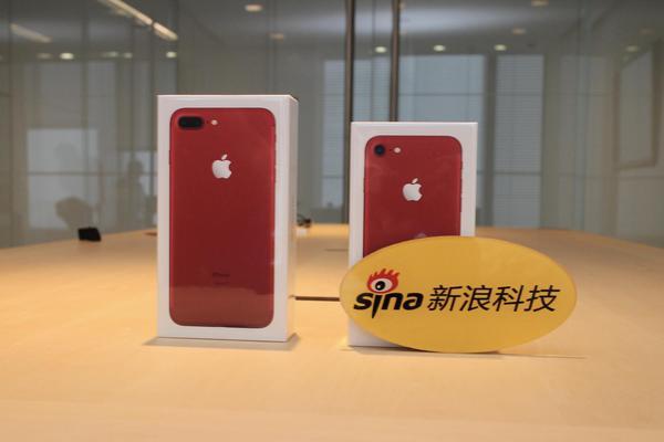红色iPhone7中国首次开箱